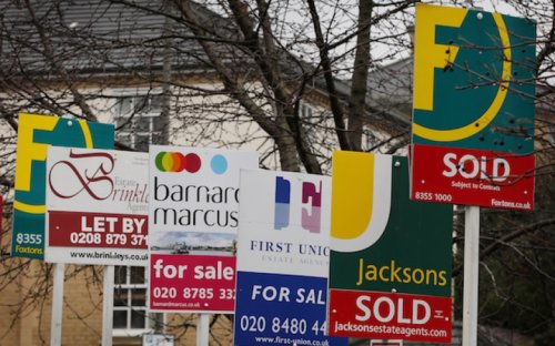 Average house prices hit new record but London prices stay still
