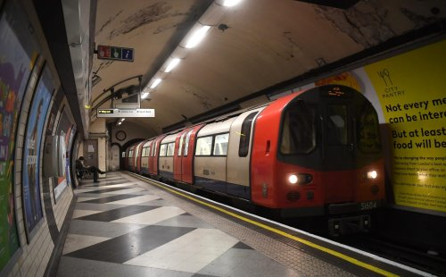 Moody's downgrades TfL's debt as pandemic damage 'unlikely to be reversed'