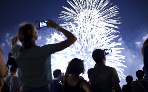 Brexit cancels bonfire night: Import rules reduce UK firework supply by 70 per cent