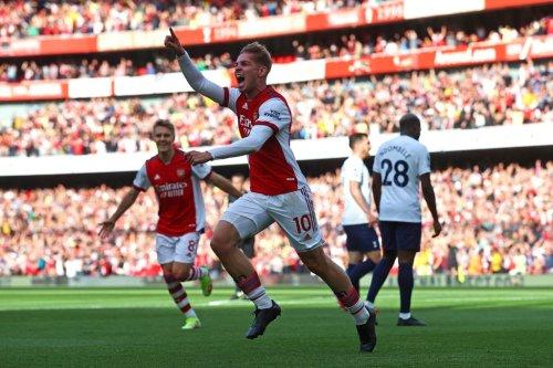 Arsenal 3, Tottenham 1: Gunners find feet as Spurs slip
