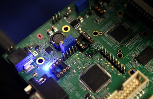 Semiconductor crisis: Daimler sees chip shortage extending into 2022 - CityAM