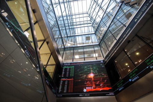Alphawave shares lift slightly, after 22 per cent plunge in London stock market debut - CityAM