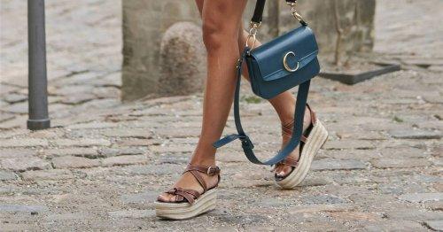 ¡Alerta, fichaje! Las sandalias con cuña favoritas de las mujeres de 50 años