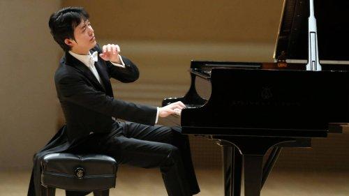 Celebrated Chinese concert pianist Li Yundi held on suspicion of prostitution
