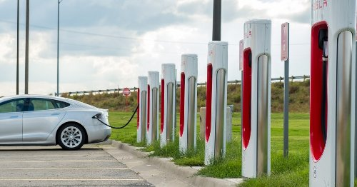 Firing Up a Credit Trading Market to Support Electric Vehicle Networks