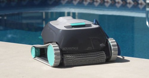 The Dolphin Advantage Robotic Pool Cleaner: Our 2021 Review
