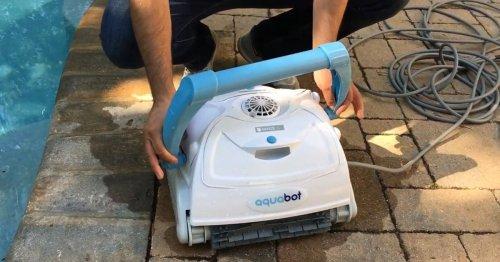 Aquabot Breeze IQ Robotic Pool Cleaner: Our 2021 Review
