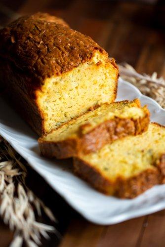 Recette cake courgette : l'allié des buffets estivaux !