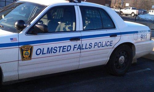 Officer gives distressed walker ride home: Olmsted Falls Police Blotter