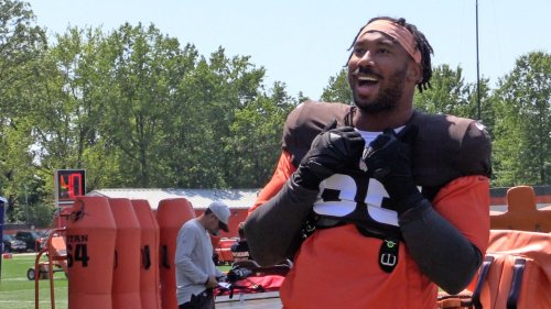 Watch: Myles Garrett jaws with an area football team, Baker Mayfield throws a deep touchdown pass during Day 7 of Browns training camp.