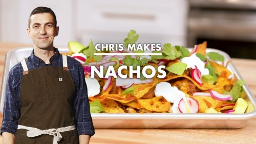 How to make baked lunch nachos (video)