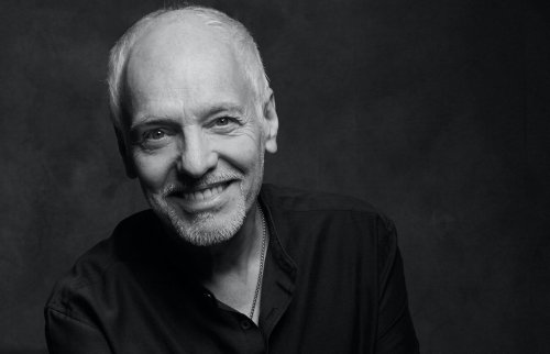Peter Frampton releases new album of classic covers