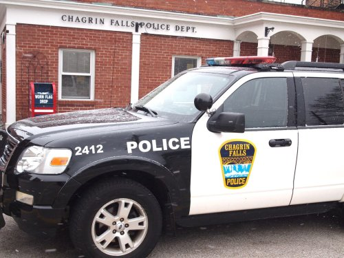 Thief strikes twice at Shopping Plaza: Chagrin Falls blotter