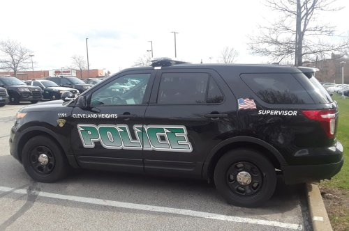 Gunmen confront two women in municipal lot, steal their car: Cleveland Hts.