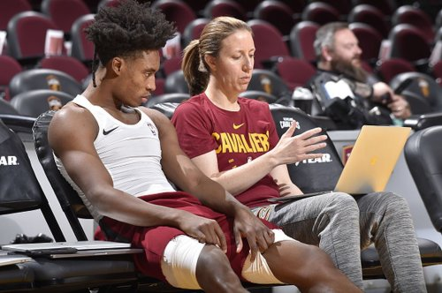 Lindsay Gottlieb named USC women's basketball head coach, leaves Cleveland Cavaliers after two seasons