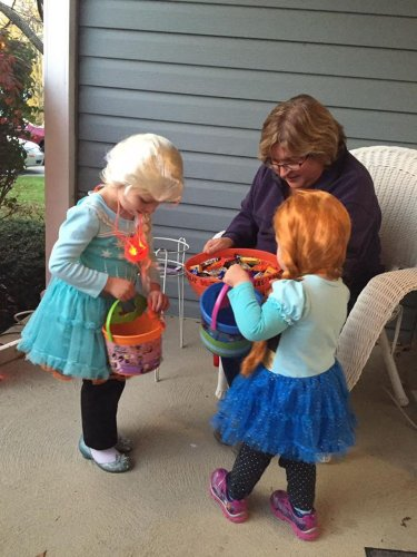 Which candy is the most sought after by Halloween trick-or-treaters? We have the Top 10 favorites