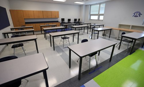 Cleveland parents happy with kids' schools, but public cooler toward local education: poll