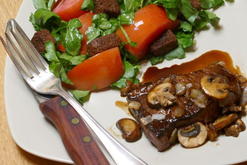 A balsamic-glazed steak that's perfect for Father's Day