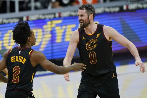 Kevin Love's best night helps Cleveland Cavaliers snap 11-game losing skid, hurts lottery odds in 102-94 win over Boston Celtics