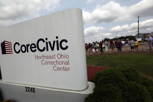 350 pretrial inmates will be moved five hours from Cleveland as federal contract with private facility ends