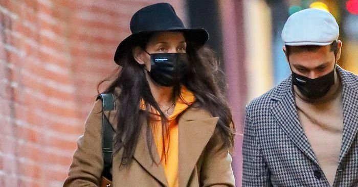 Here's How Katie Holmes Made Skinny Jeans and a Hoodie Look Luxurious
