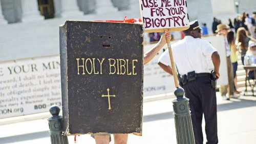 Tennessee Republicans trying to make Bible the official state book