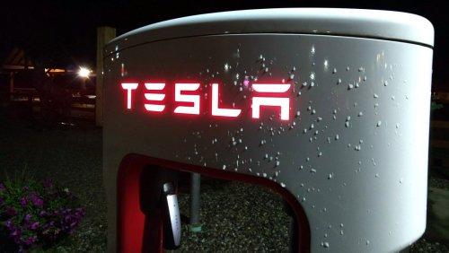 Unfall mit führerlosem Tesla Model S kostet zwei Menschenleben