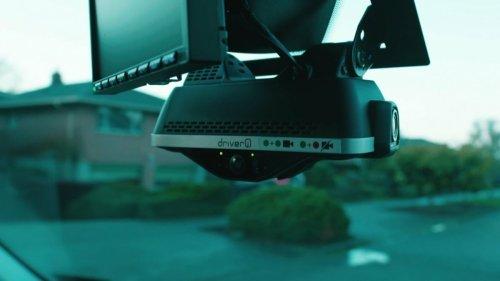 Amazon-Zusteller: KI-Kamera im Führerhaus senkt Lohn durch falsche Strafen