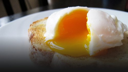 The Easiest Way to Make Poached Eggs? Use Your Microwave