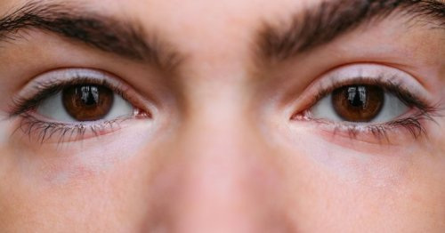 The Strange Eye Exercise That Can Help Relieve Anxiety, From A Neuroscientist