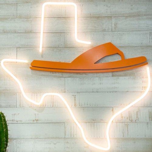 Flip-flop trailblazer Hari Mari flings open new flagship in Dallas