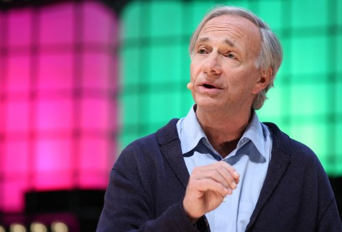 Ray Dalio: The government 'outlawing bitcoin is a good probability'