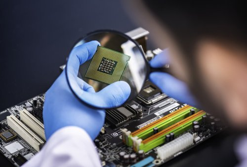 Goldman picks 9 semiconductor stocks to pop on new 'extreme ultraviolet' trend