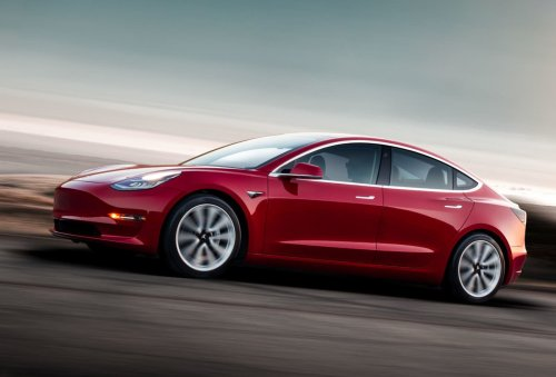 Tesla delivered 184,800 vehicles in the first quarter of 2021, Model S and X production dropped to zero