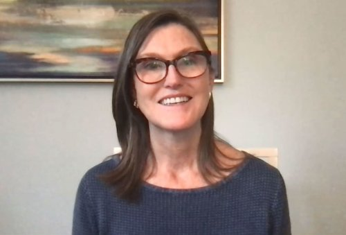Cathie Wood bought 1 million shares of Grayscale Bitcoin Trust during crypto's drop below $30,000