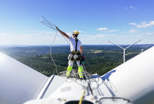 Wind energy could generate 3.3 million jobs within five years, industry body claims