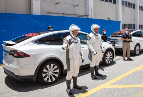 How Tesla worked with and got paid by SpaceX and The Boring Company last year