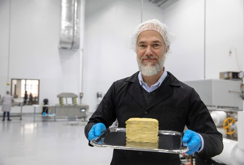 Bezos, Gates back fake meat and dairy made from fungus as next big alt-protein