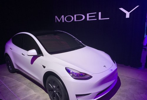 Tesla cars can drive with nobody in the driver's seat, Consumer Reports engineers find