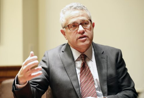 Toobin returns to CNN eight months after Zoom exposure incident