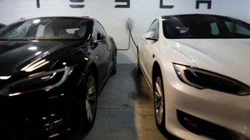 Elon Musk's Tesla mulls accepting Bitcoin as payment for cars again