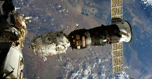 See astronaut's wild view of a discarded ISS module burning up