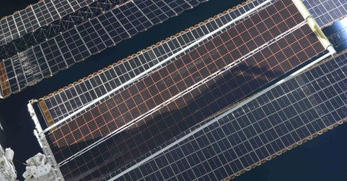 See a new ISS solar array roll out like a giant tongue in space
