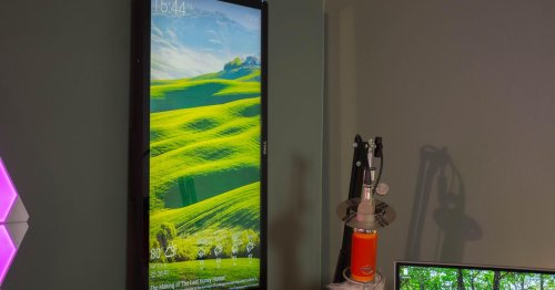 Turn an old monitor into a wall display with a Raspberry Pi
