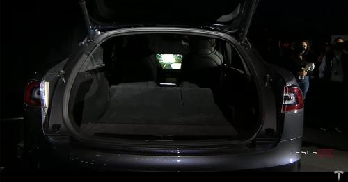 Elon Musk shows off the Tesla Model S Plaid playing Cyberpunk 2077