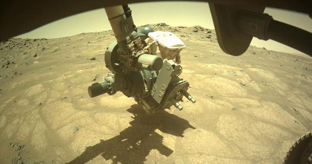 NASA Perseverance rover investigates 'garden pavers' in Mars lakebed
