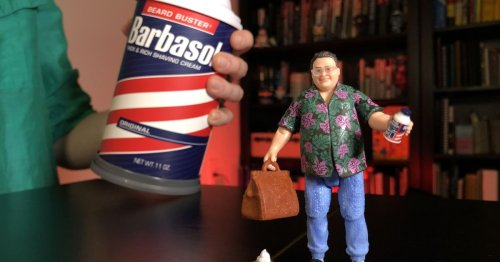 Unboxing the SDCC Jurassic Park Barbasol can: The package is the toy