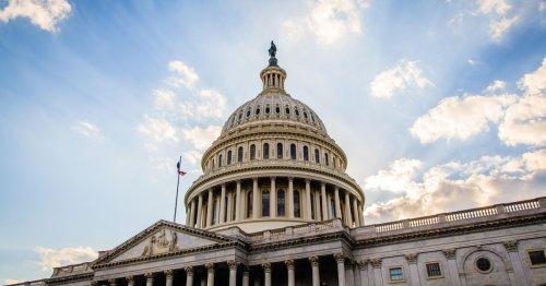 Senators unveil $40B bill aimed at closing the broadband divide