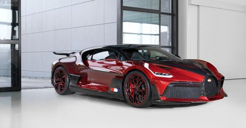Bugatti nearly quit painting this Divo 'Lady Bug' because it was so complicated