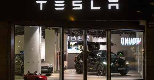 Tesla may be ready to ditch the fancy retail shops for good, report says